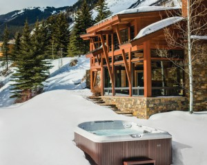 4 Reasons to Buy a Hot Tub This Winter