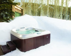Top 3 Benefits of Using a Hot Tub in the Winter